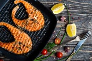 Fisch in Grillpfanne